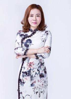 纹绣艺术导师—阿慈